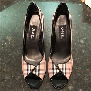Women's Vaneli Burberry Pattern Heels